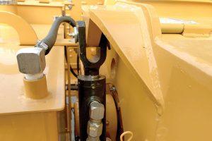 Broyeur de branches thermique avec vérin de compression de série 12X Bandit ALM