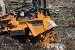 Rogneuse de souches hydraulique pour chargeur compact Bandit SA-25